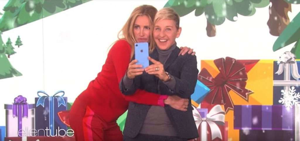 Apple made a giveaway of iPhones for audience of Ellen DeGeneres's show